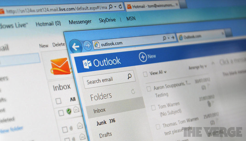 Outlook trying to retrieve data